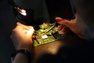 Manual soldering on a bare board